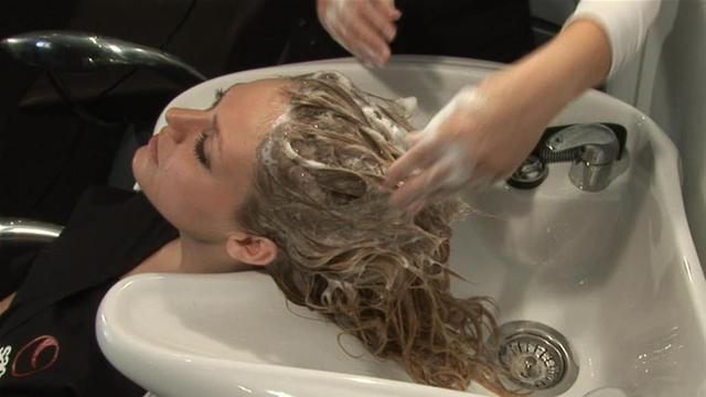 shampoing pour s'occuper de ses cheveux