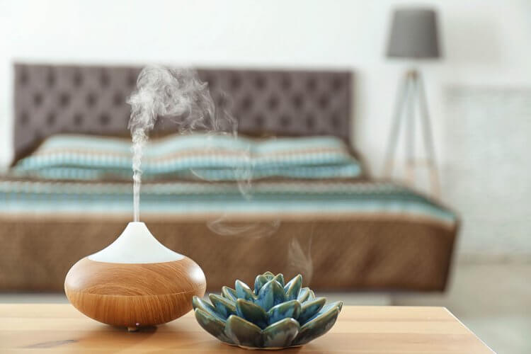 un humidificateur et de la vapeur