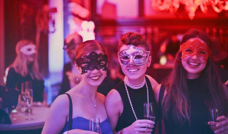 Robe de cocktail : les tendances du moment